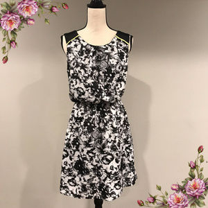 MAKE AN OFFER ;) Floral Maurices dress